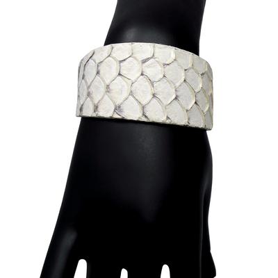 Bracelet manchette tilapia blanc det2