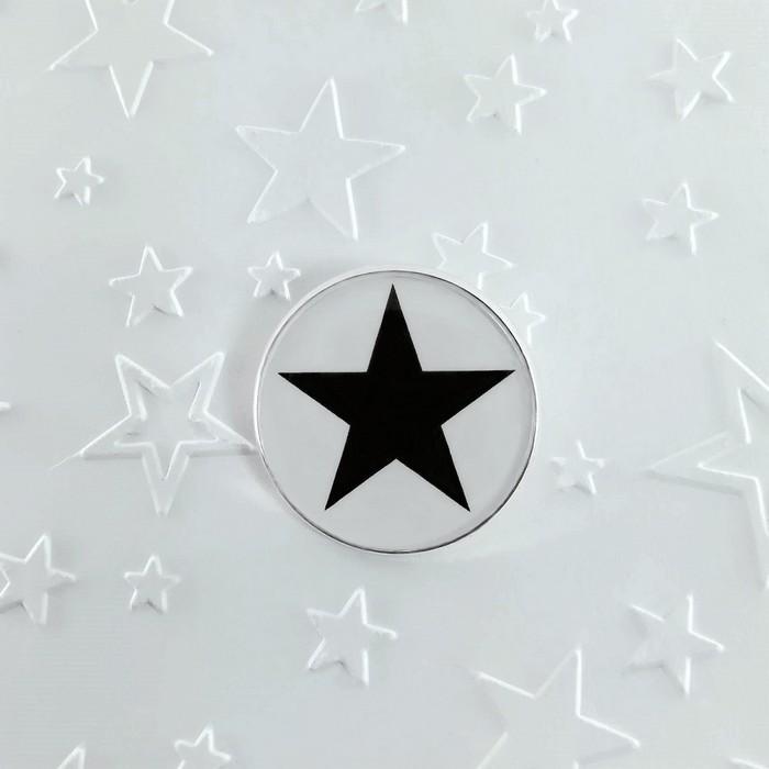 Broche badgi black star 0 0 700