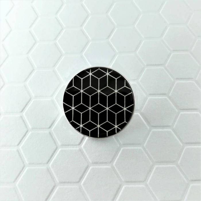 Broche badgi cubik noir 0 0 700