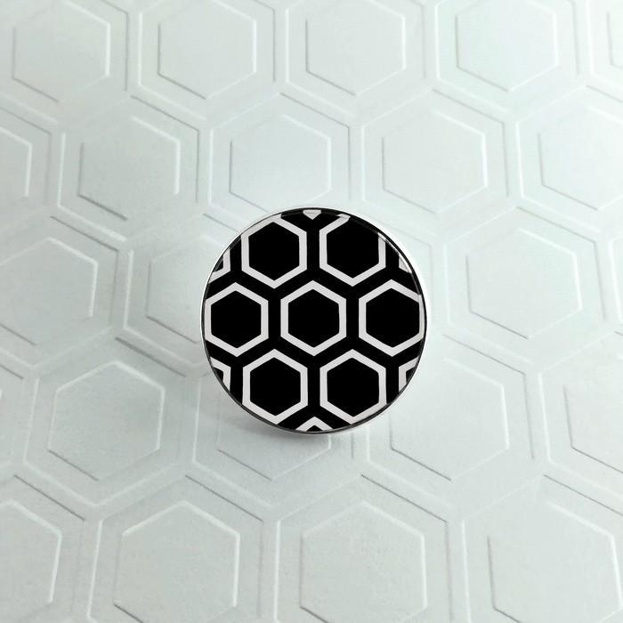 Broche badgi hive noir 0 0 700