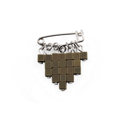 Broche Cubic