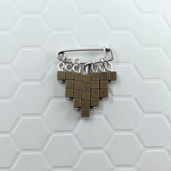 Epingle cubic bronzre 0 0 700